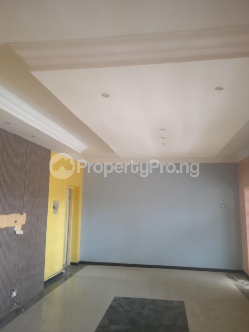 3 bedroom Flat / Apartment for rent Adekunle Kuye Adelabu Surulere Lagos - 0