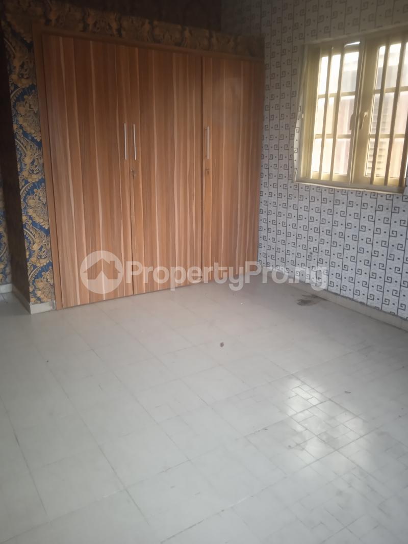 3 bedroom Flat / Apartment for rent Eloseh Kilo-Marsha Surulere Lagos - 3