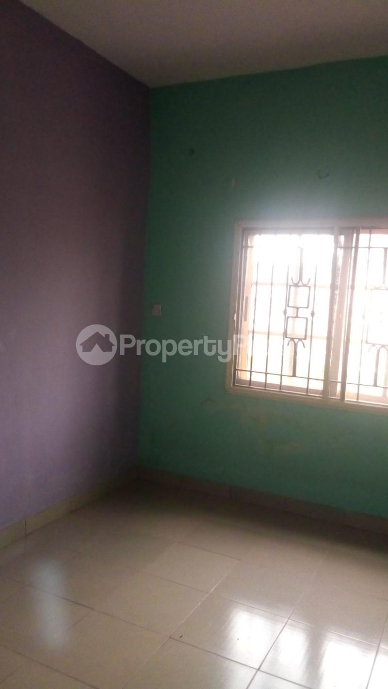 4 bedroom Terraced Duplex House for rent Medina Estate Atunrase Medina Gbagada Lagos - 17