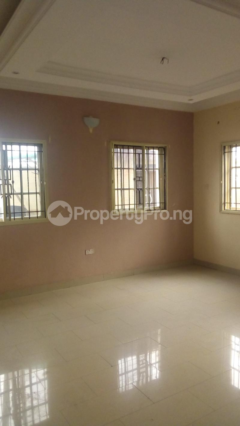 4 bedroom Terraced Duplex House for rent Medina Estate Atunrase Medina Gbagada Lagos - 9