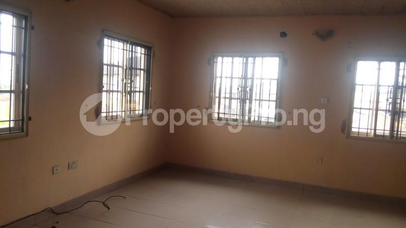 4 bedroom Terraced Duplex House for rent Medina Estate Atunrase Medina Gbagada Lagos - 15