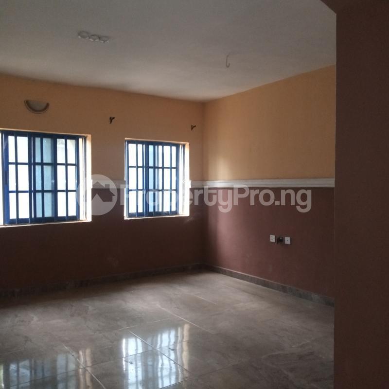 4 bedroom Flat / Apartment for rent Makogi magboro Magboro Obafemi Owode Ogun - 10