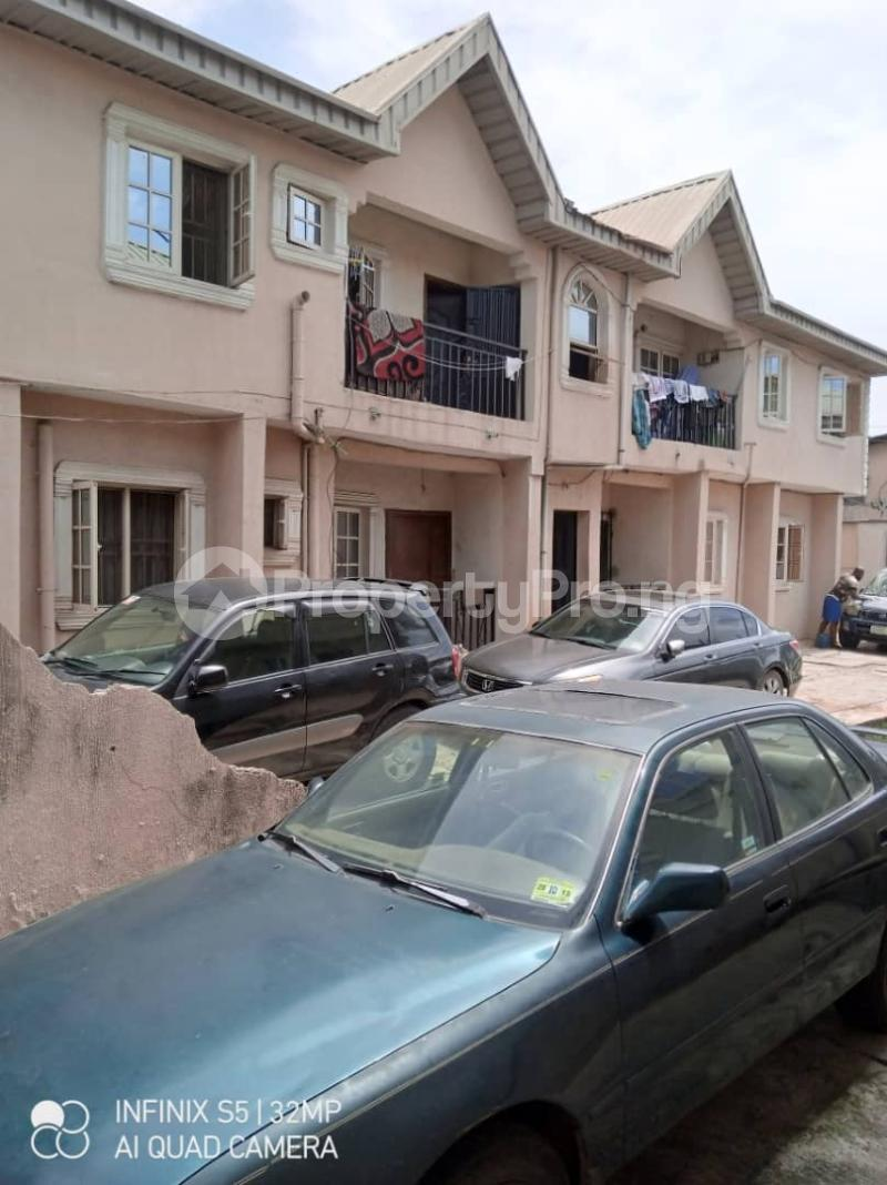 3 bedroom Blocks of Flats House for sale Latefadboyega Okota Lagos - 0