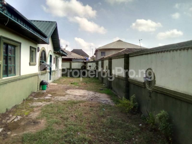 3 bedroom Terraced Bungalow House for sale Unique estate Ipaja Ipaja Lagos - 5
