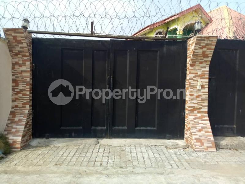4 bedroom Terraced Bungalow House for sale Igando oloja Igando Ikotun/Igando Lagos - 7