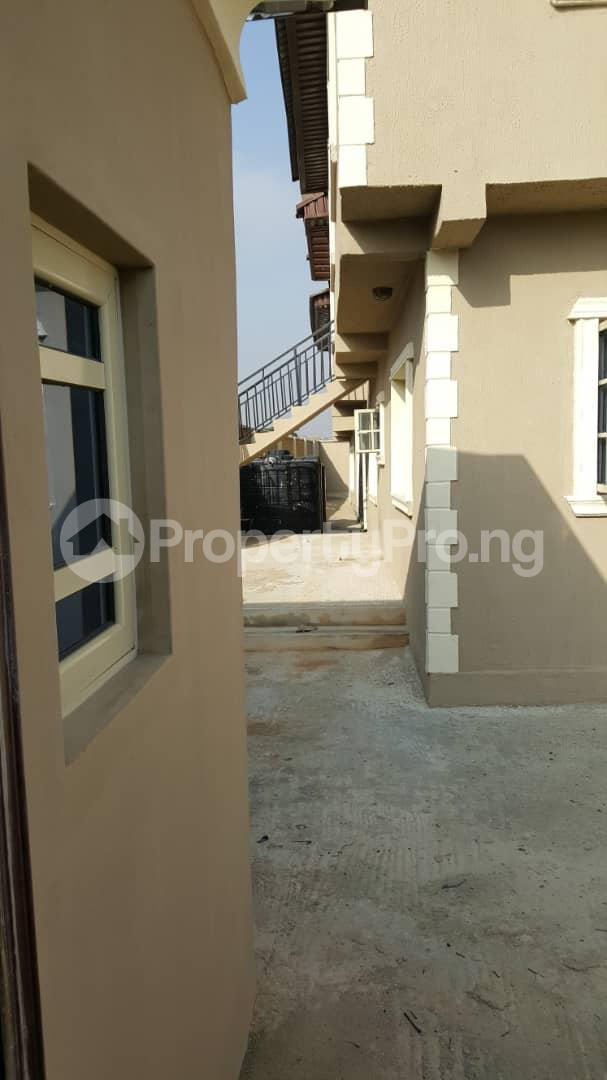 3 bedroom House for sale Gra Oworonshoki Gbagada Lagos - 5