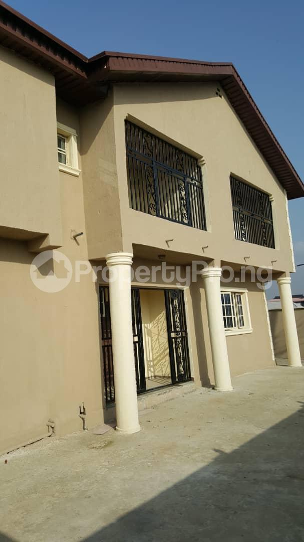 3 bedroom House for sale Gra Oworonshoki Gbagada Lagos - 3