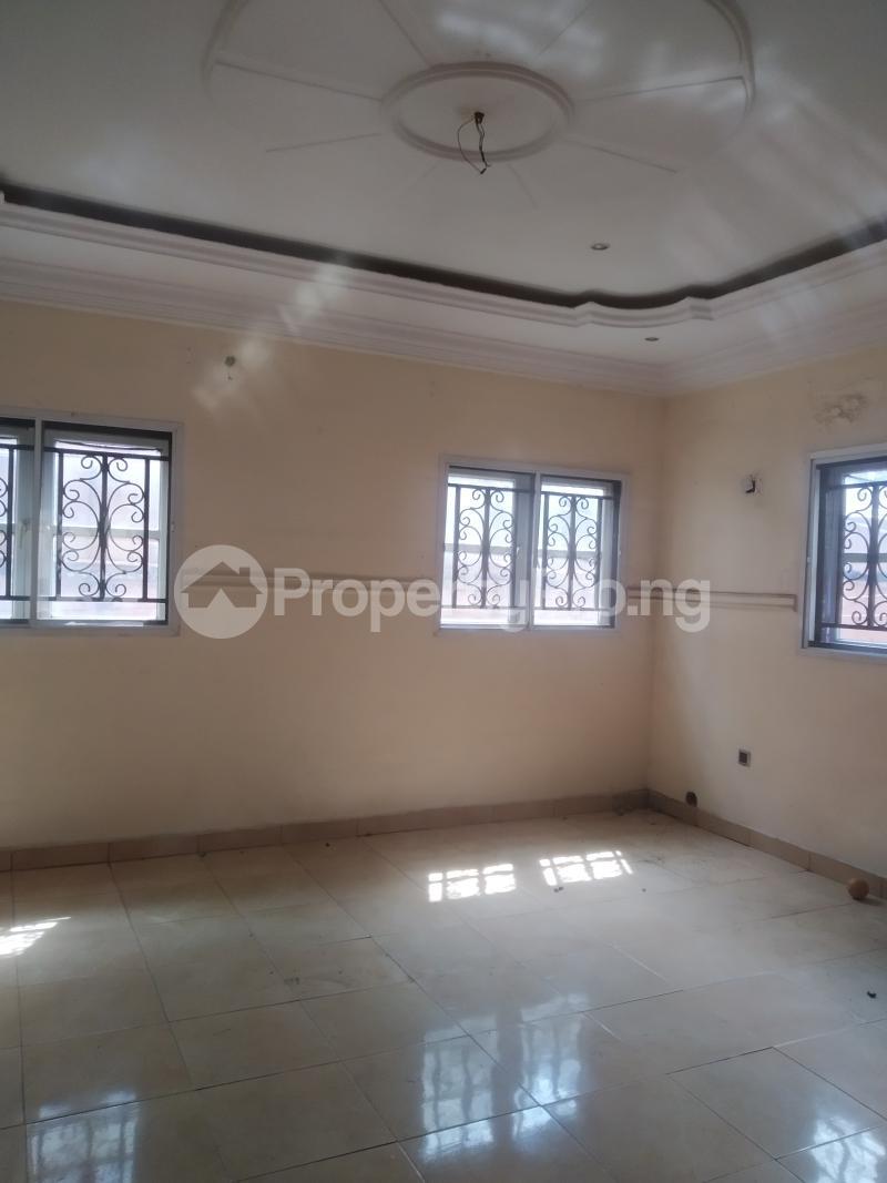 3 bedroom Flat / Apartment for rent shaki crescent Adelabu Surulere Lagos - 0
