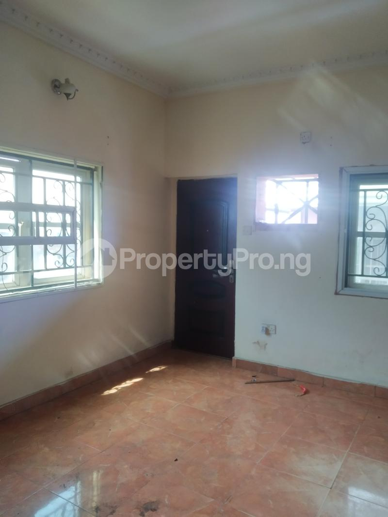 3 bedroom Flat / Apartment for rent shaki crescent Adelabu Surulere Lagos - 5
