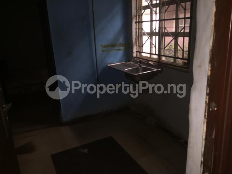 Self Contain Flat / Apartment for rent Bailey  Abule-Ijesha Yaba Lagos - 9