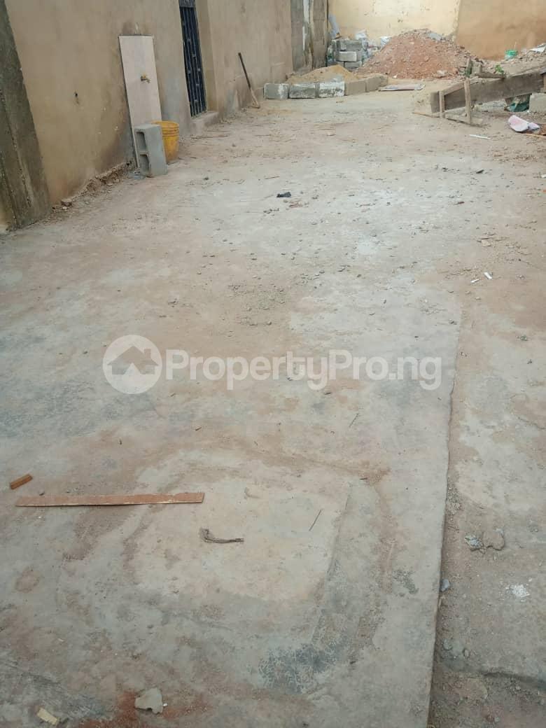 2 bedroom Blocks of Flats House for rent Morgan ph1 estate ojodu off grammar school. Morgan estate Ojodu Lagos - 2