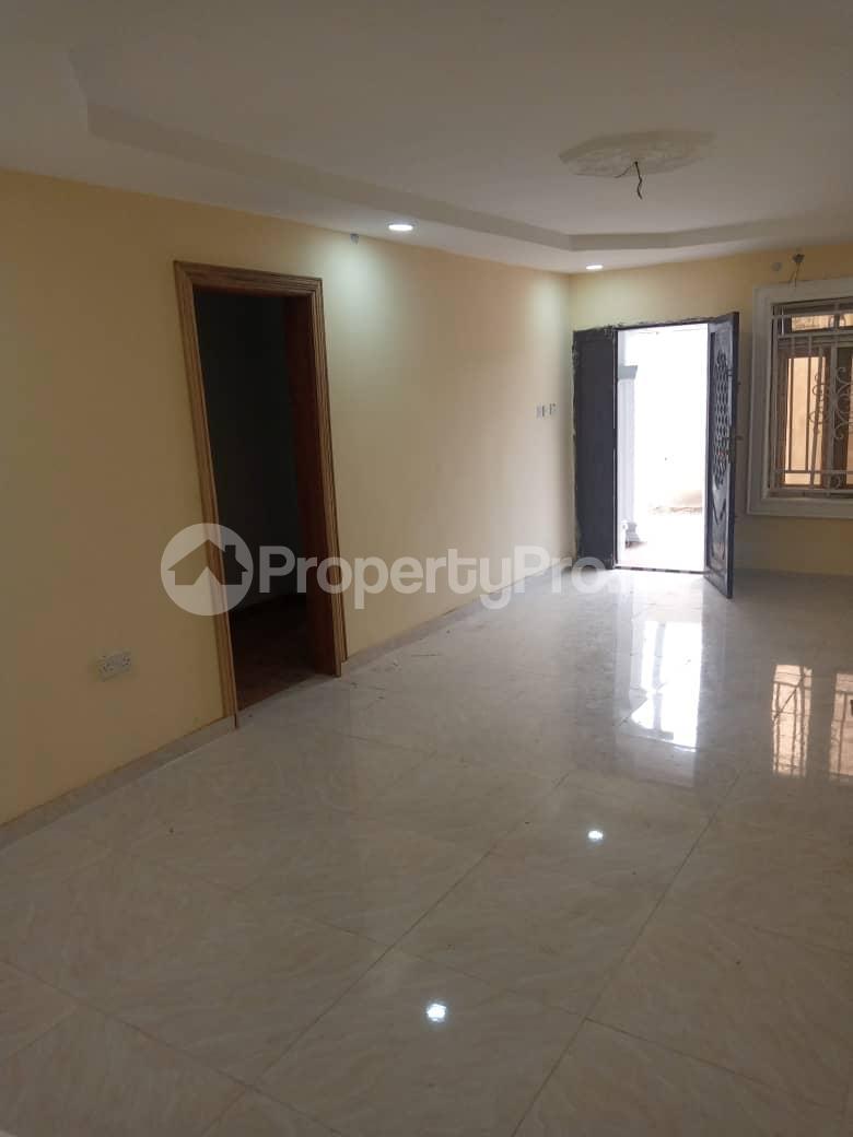 2 bedroom Blocks of Flats House for rent Morgan ph1 estate ojodu off grammar school. Morgan estate Ojodu Lagos - 1