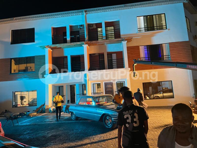 3 bedroom Flat / Apartment for shortlet Kayode Otitoju Street Lekki Phase 1 Lekki Lagos - 24
