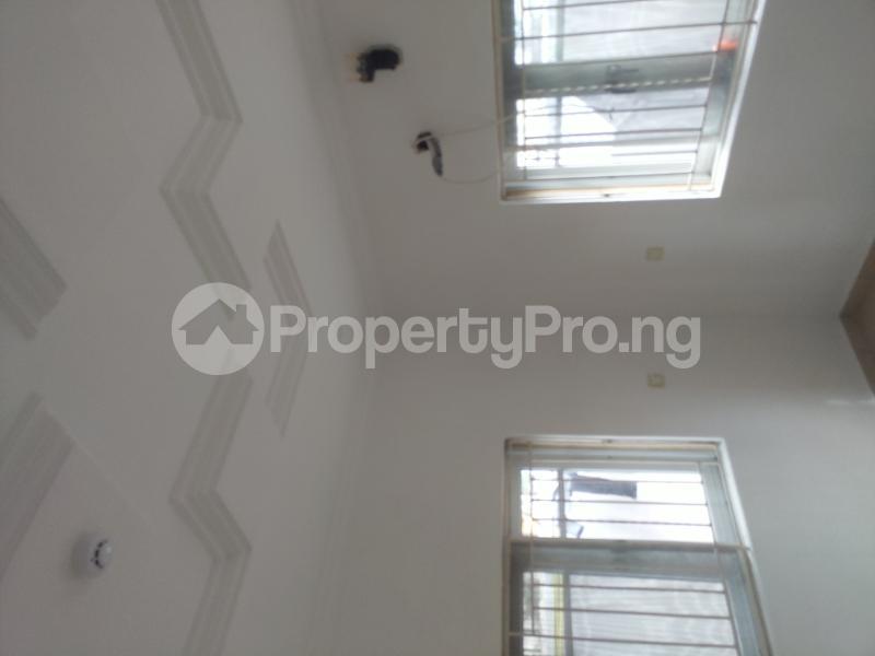 3 bedroom Terrace for rent 1 bode Thomas Central surulere Surulere Lagos - 2