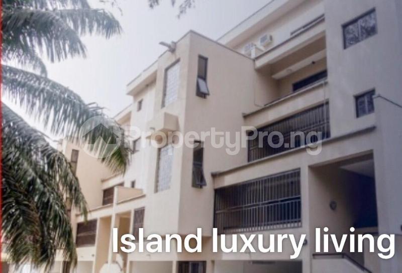 3 bedroom Massionette for rent Gerard road Ikoyi Lagos - 3