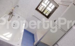 3 bedroom Massionette for rent Gerard road Ikoyi Lagos - 2