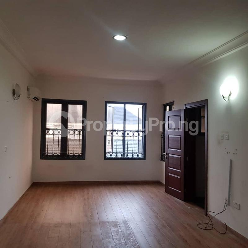 3 bedroom Flat / Apartment for rent ONIRU Victoria Island Lagos - 9