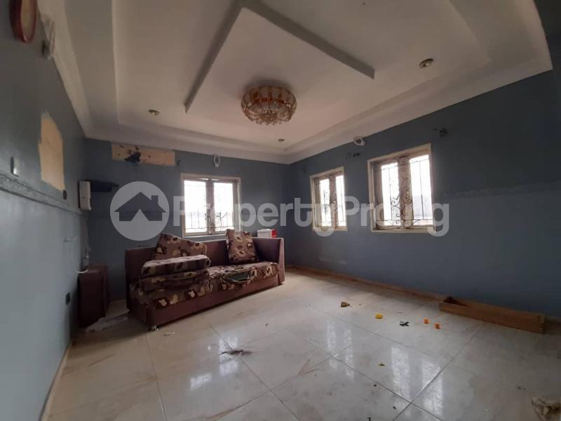 6 bedroom Detached Duplex for sale Gbagada Lagos - 9