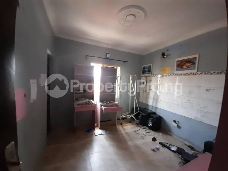 6 bedroom Detached Duplex for sale Gbagada Lagos - 15