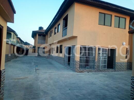2 bedroom Flat / Apartment for rent Container road Awoyaya Ajah Lagos - 10