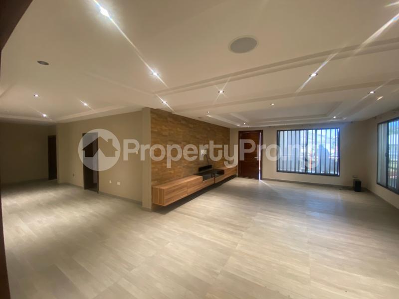 4 bedroom Flat / Apartment for rent ONIRU Victoria Island Lagos - 27