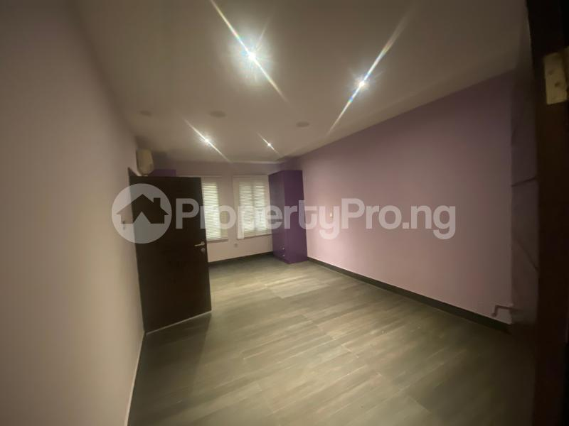 4 bedroom Flat / Apartment for rent ONIRU Victoria Island Lagos - 30