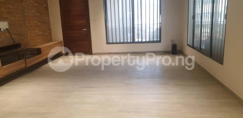 4 bedroom Flat / Apartment for rent ONIRU Victoria Island Lagos - 22