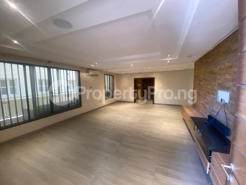 4 bedroom Flat / Apartment for rent ONIRU Victoria Island Lagos - 24