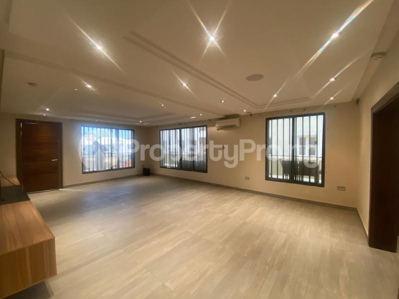 4 bedroom Flat / Apartment for rent ONIRU Victoria Island Lagos - 28