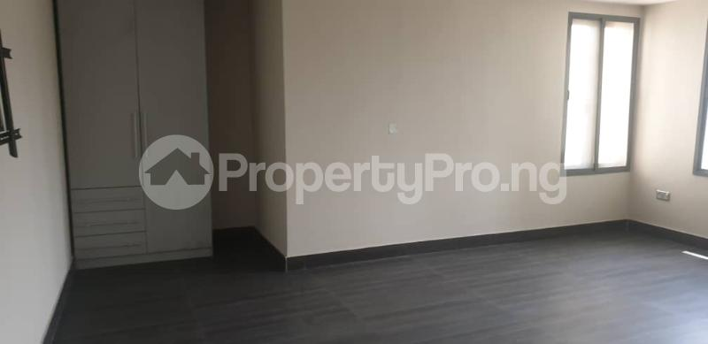4 bedroom Flat / Apartment for rent ONIRU Victoria Island Lagos - 14