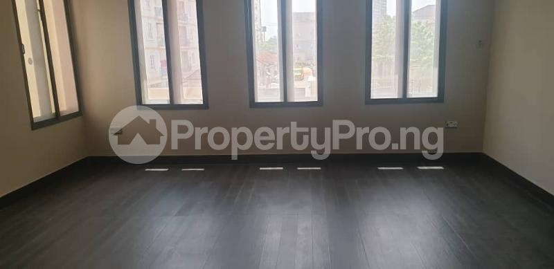 4 bedroom Flat / Apartment for rent ONIRU Victoria Island Lagos - 9
