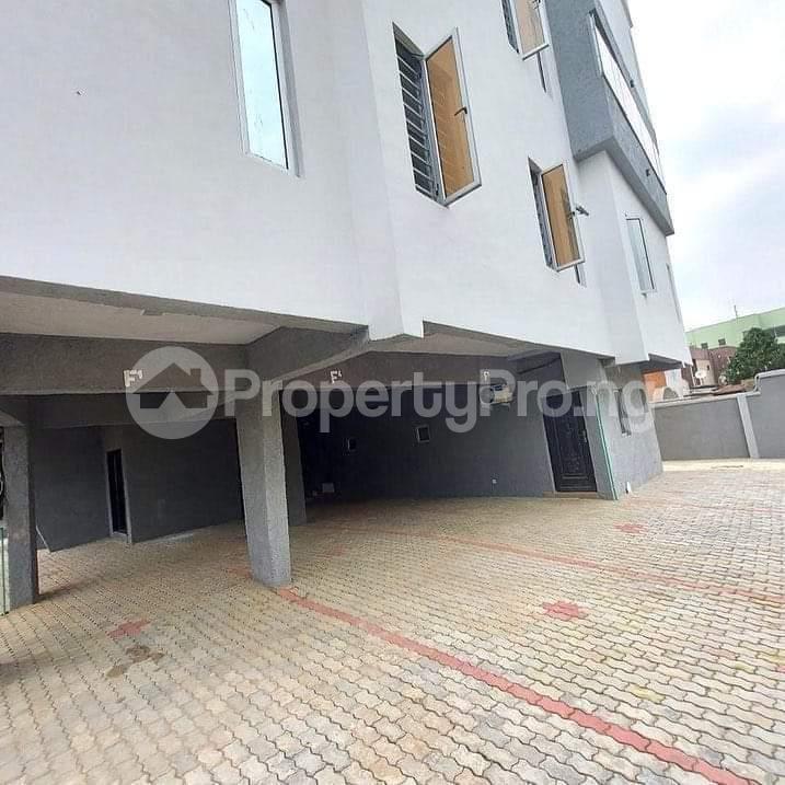 3 bedroom Blocks of Flats for sale Shonibare Estate Mobolaji Bank Anthony Way Ikeja Lagos - 2