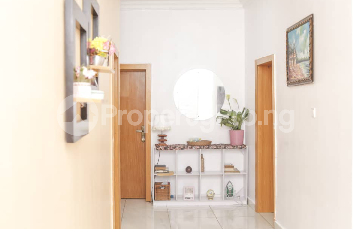 3 bedroom Self Contain Flat / Apartment for shortlet .. chevron Lekki Lagos - 4