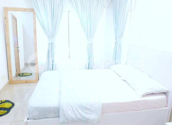 3 bedroom Self Contain Flat / Apartment for shortlet .. chevron Lekki Lagos - 3