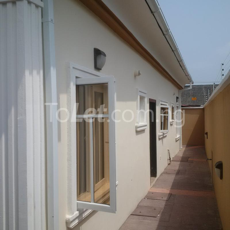 4 bedroom Flat / Apartment for sale Abraham Adesanya Estate Abraham adesanya estate Ajah Lagos - 3