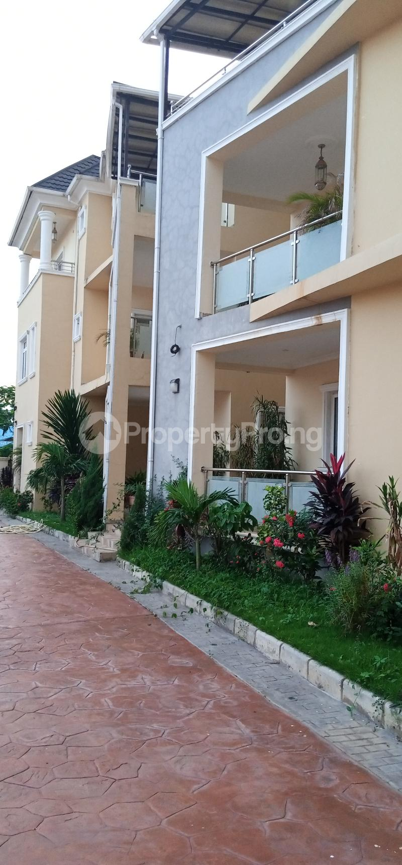 5 bedroom Penthouse Flat / Apartment for rent Life Camp ...
