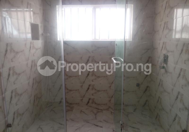 4 bedroom Semi Detached Duplex House for sale White Oak Estate Ologolo Lekki Lagos - 9