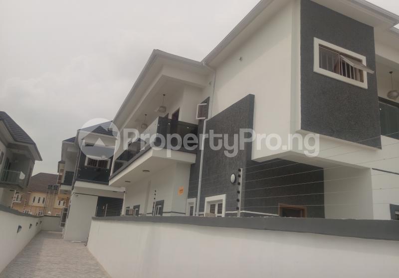 4 bedroom Semi Detached Duplex House for sale White Oak Estate Ologolo Lekki Lagos - 14