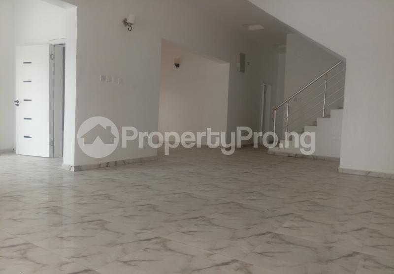 4 bedroom Semi Detached Duplex House for sale White Oak Estate Ologolo Lekki Lagos - 2
