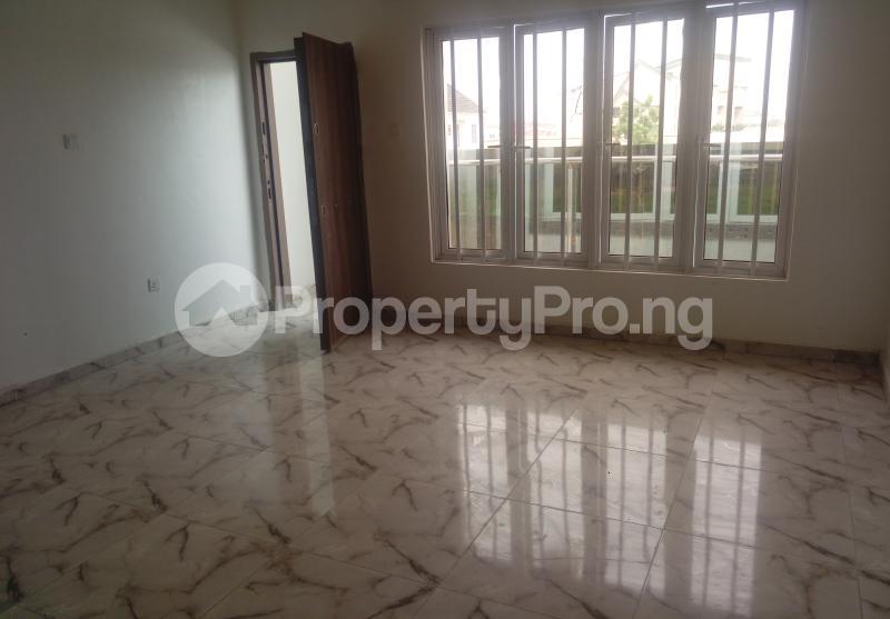 4 bedroom Semi Detached Duplex House for sale White Oak Estate Ologolo Lekki Lagos - 5