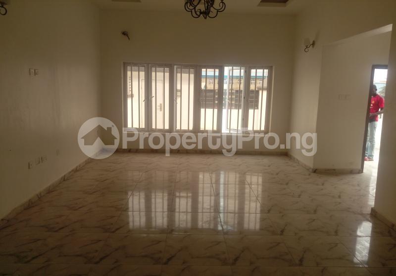 4 bedroom Semi Detached Duplex House for sale White Oak Estate Ologolo Lekki Lagos - 1