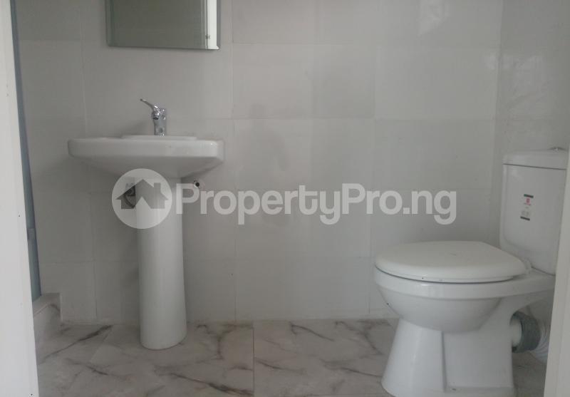 4 bedroom Semi Detached Duplex House for sale White Oak Estate Ologolo Lekki Lagos - 12