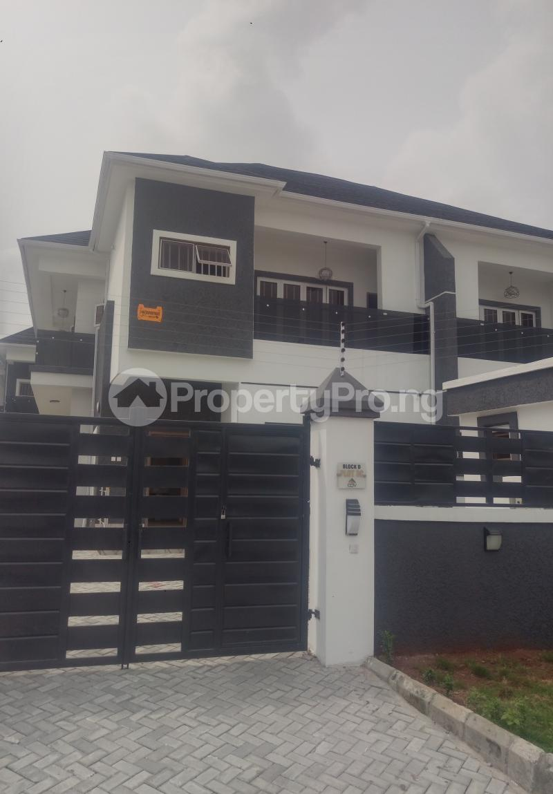 4 bedroom Semi Detached Duplex House for sale White Oak Estate Ologolo Lekki Lagos - 0