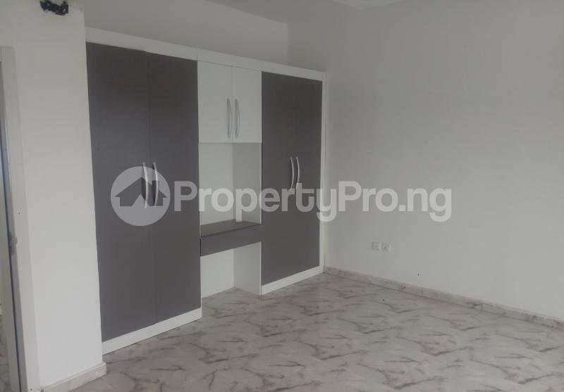 4 bedroom Semi Detached Duplex House for sale White Oak Estate Ologolo Lekki Lagos - 7