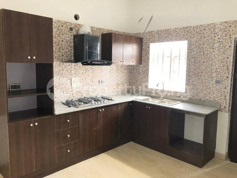 4 bedroom Commercial Property for sale Mobil road, off emerald estate, lekki scheme 2 Lekki Phase 2 Lekki Lagos - 1