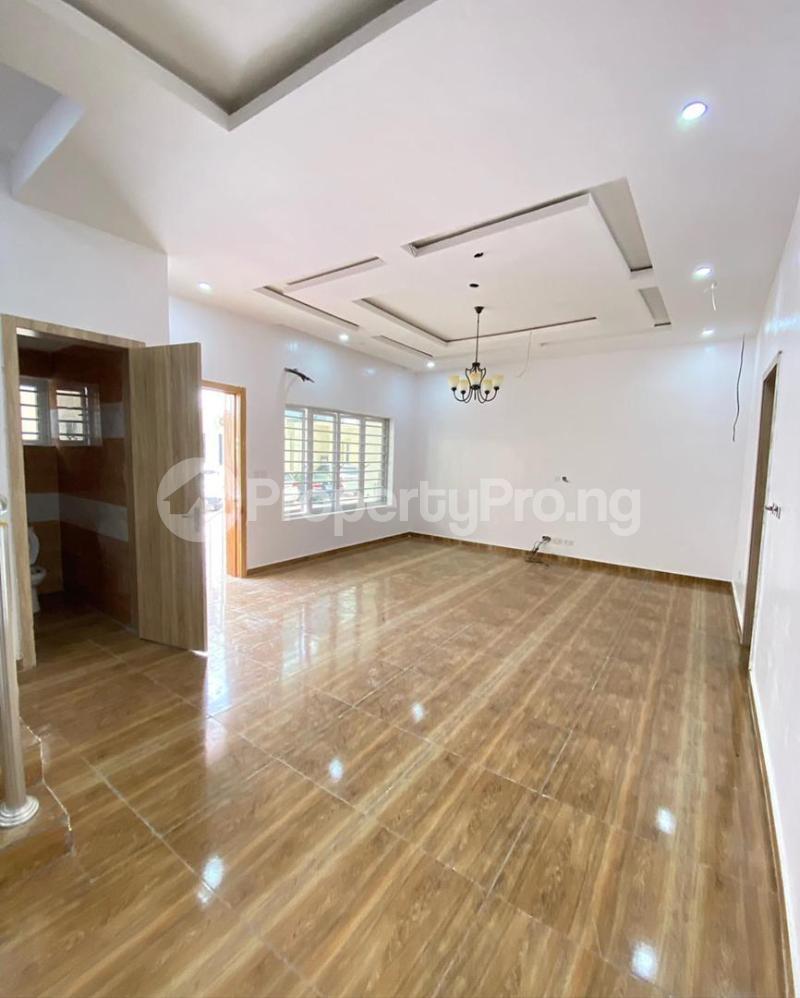 4 bedroom Terraced Duplex for sale 2nd Tollgate. Lekki Lagos - 1