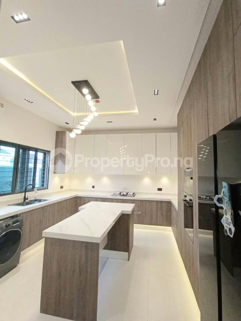 6 bedroom Detached Duplex for sale Kuwa Road Kubwa Abuja - 3