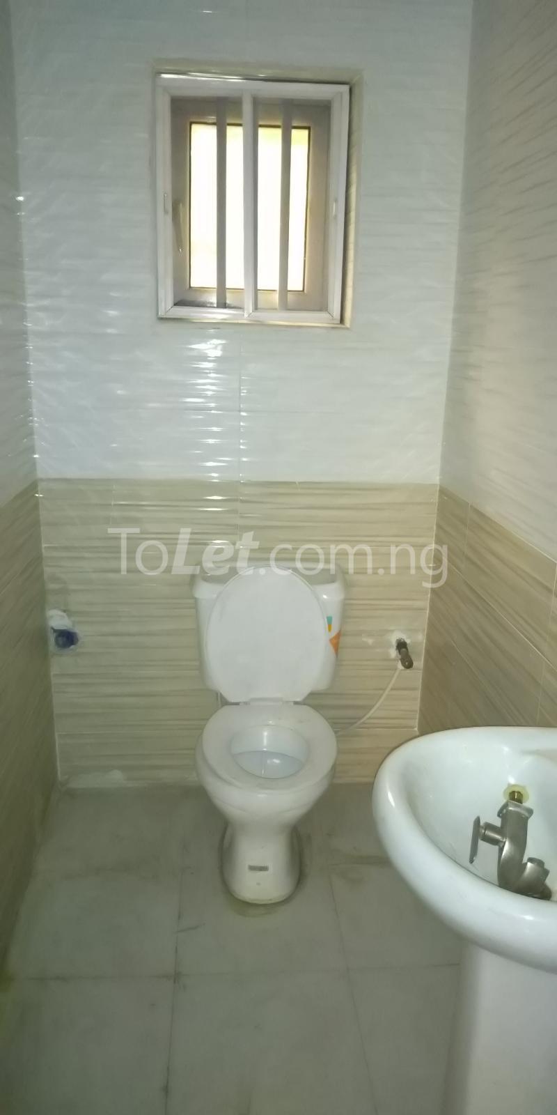 2 bedroom Flat / Apartment for rent Iponri Estate  Iponri Surulere Lagos - 5