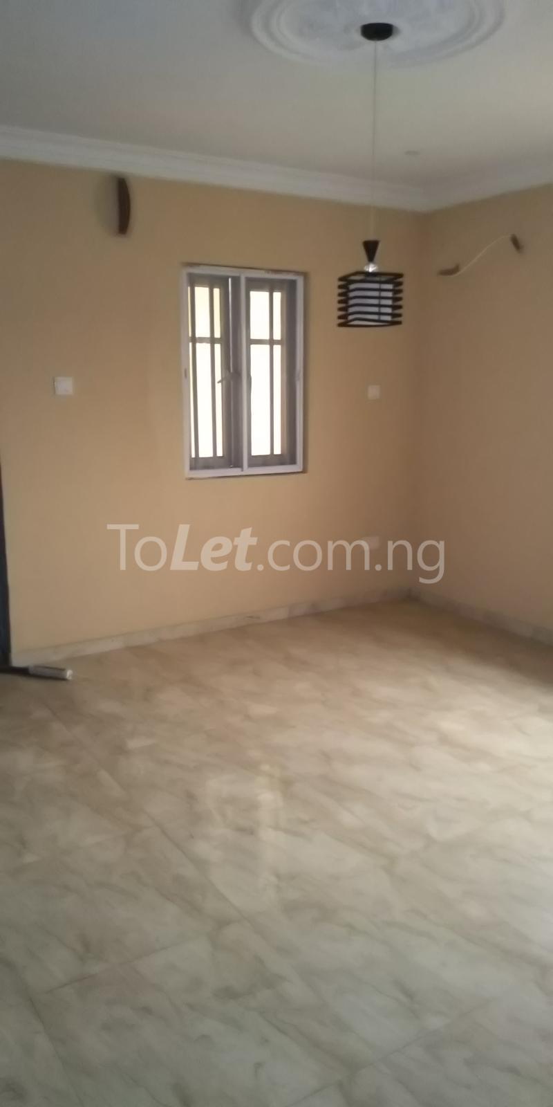 2 bedroom Flat / Apartment for rent Iponri Estate  Iponri Surulere Lagos - 4