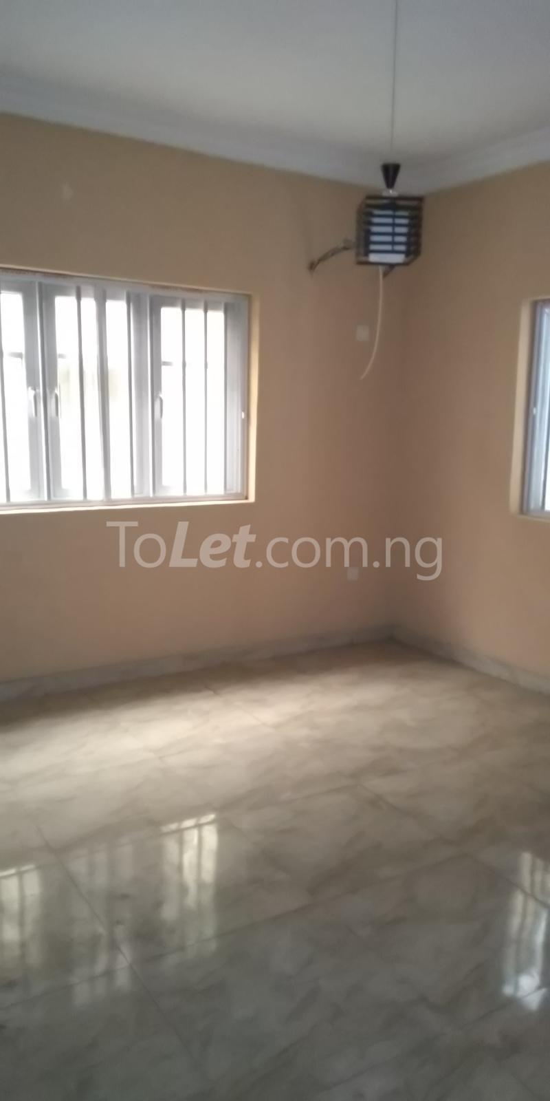 2 bedroom Flat / Apartment for rent Iponri Estate  Iponri Surulere Lagos - 3